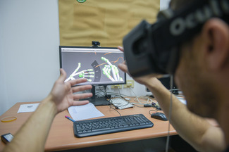 Developing in a World of Virtual Reality
